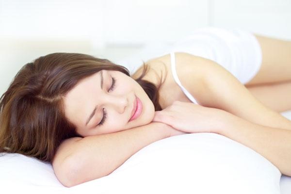Полноценный ночной сон - обязательное условие для поддержания организма в тонусе