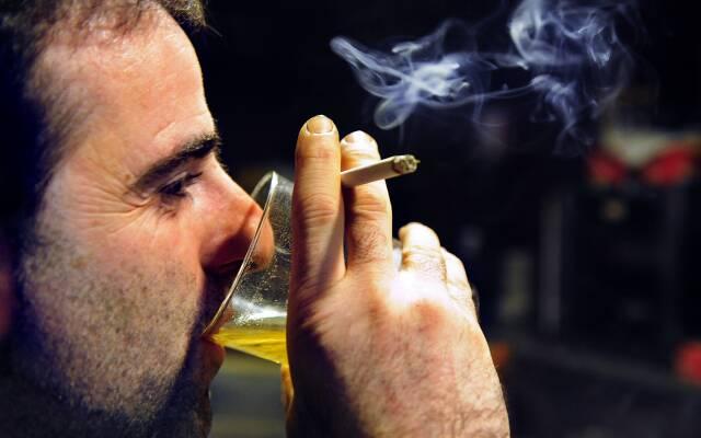 Отказ о алкоголя - первое, что следует сделать для восстановления здоровья