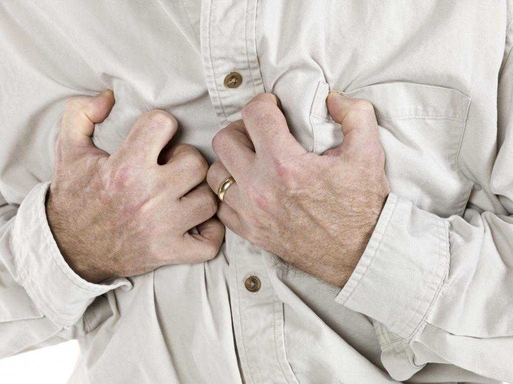 Болезненные симптомы инфаркта характеризуются постоянством и интенсивностью
