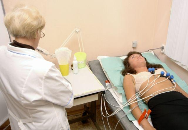 Исследования работы сердца беременной женщины проводится в обязательном порядке в первом триместре