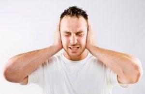 Постоянный шум в ушах - может быть признаком данного недуга