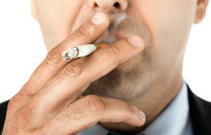 Курение в разы повышает риск появления заболевания