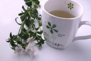Травяной чай является природным источником силы